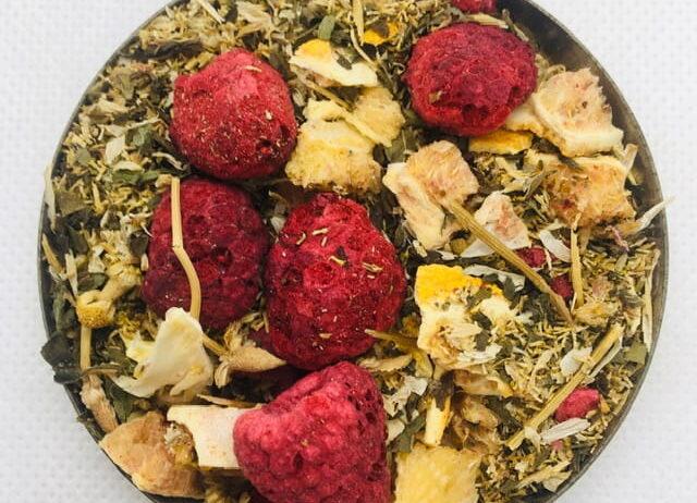 Herbata-ziolowa-z-owocami-liofiliozowanymi-Turowski-Mlyn-50g